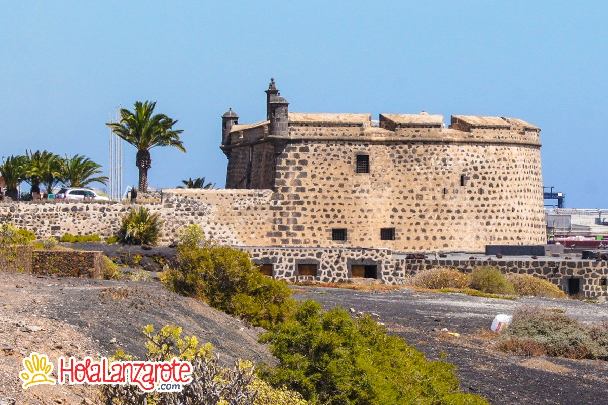 San Tan Honda >> Castillo de San José - HolaLanzarote.com